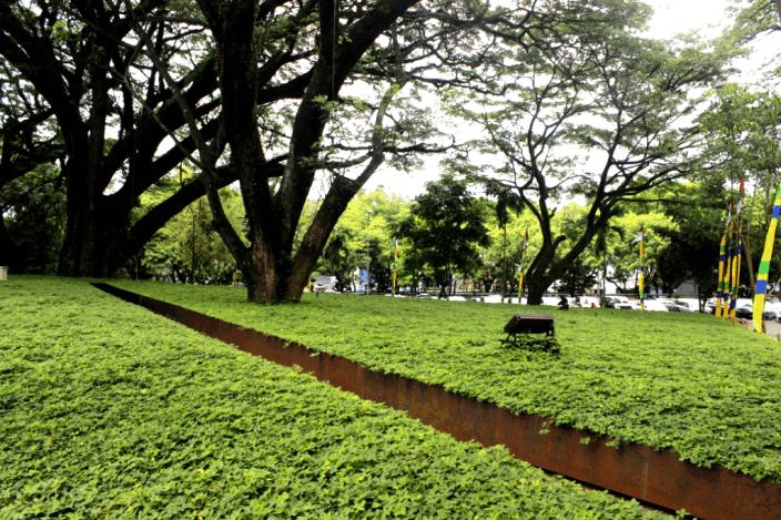 Taman Labirin Balai Kota Bandung Bandung Jawa Barat