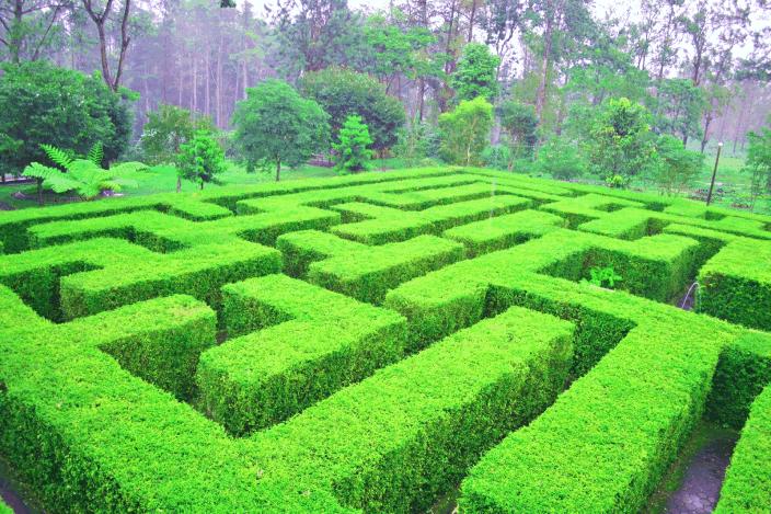 Taman labirin coban rondo pandesari malang jawa timur