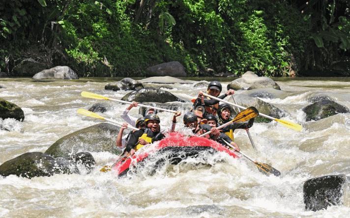 tempat rafting terbaik Sungai Elo Magelang Jawa Tengah
